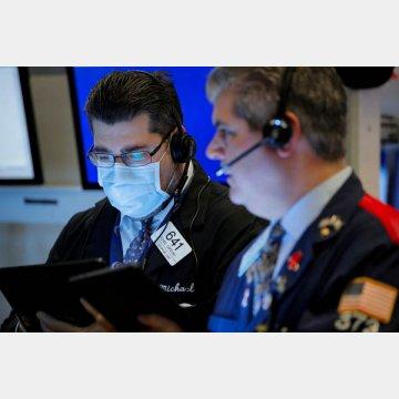 ニューヨーク証券取引所でもマスク