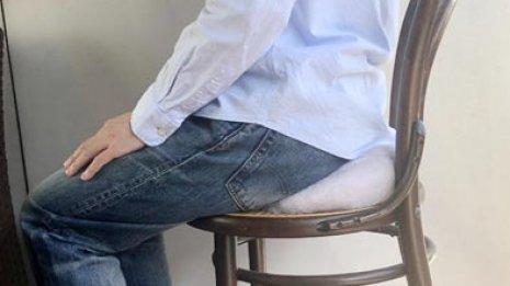 在宅勤務で腰痛が辛い…解消のコツは座る姿勢とストレッチ