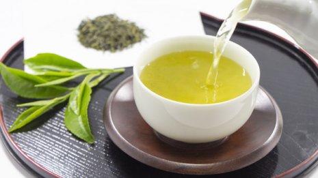 朝の眠気覚ましには「緑茶」体内時計を整える成分が多い