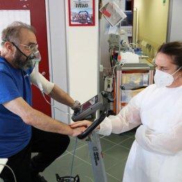 心筋障害の報告も 心電図や血液検査以外に超音波検査が必要