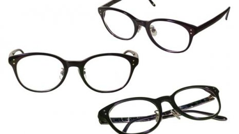 視力は良くてもコロナ対策用に保護メガネを