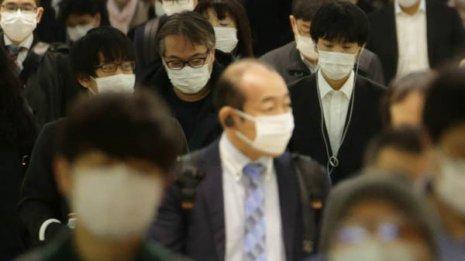 マスクはいつまで…個人的ロックダウンをどこまで緩めるか