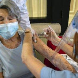 新型コロナワクチン 接種後も感染拡大させない対策が必要