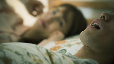 気道<上>専門医が教える いびきを解消する5つの就寝前舌トレ