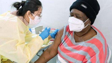 「ワクチンパスポート」はマスクに続く政治案件になるのか
