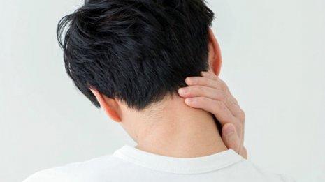 首<下>専門医考案 手を使うタイプ別「痛みナビ体操」の実践