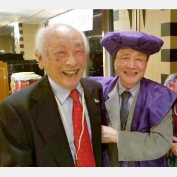 左が伊藤さん。主治医の石原先生と