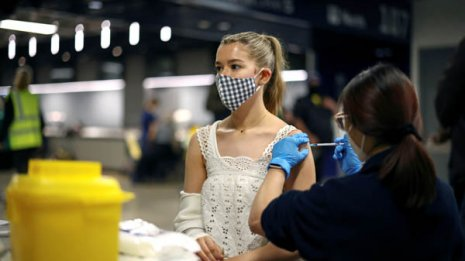 無症状の感染患者が接種しても問題ないのか 悪化はしない?