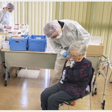 新型コロナウイルスワクチン接種の様子