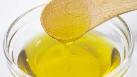 オリーブオイルで悪玉コレステロール減らし酸化ストレスを防ぐ