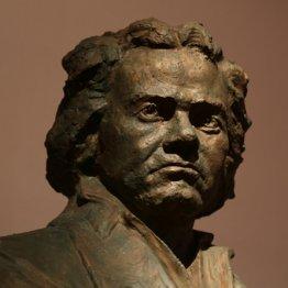 ベートーベンの難聴の原因 昔は先天梅毒説が有力だったが…