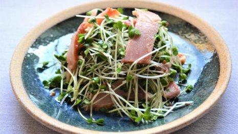 豚肉と梅干しで「水」ブロッコリーで「気」を補い夏バテ撃退