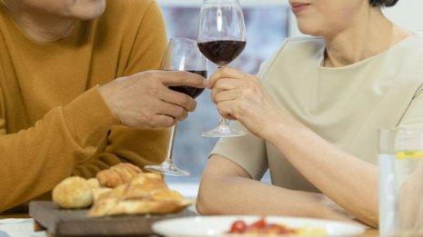 ステーキとワインで家族と忘年会…在宅だからできたこと