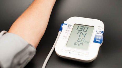 早期の腎臓病をチェックするには「eGFR」と「尿アルブミン」