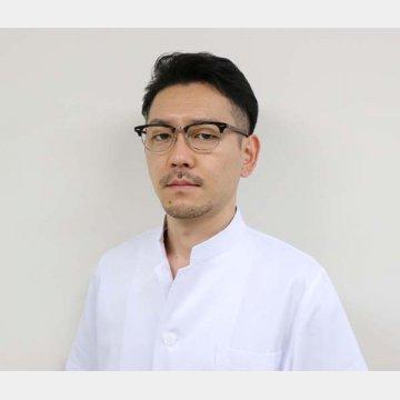 総合内科専門医の塚本浩氏